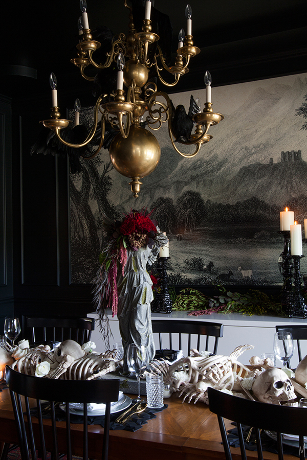elegant halloween tablescapes