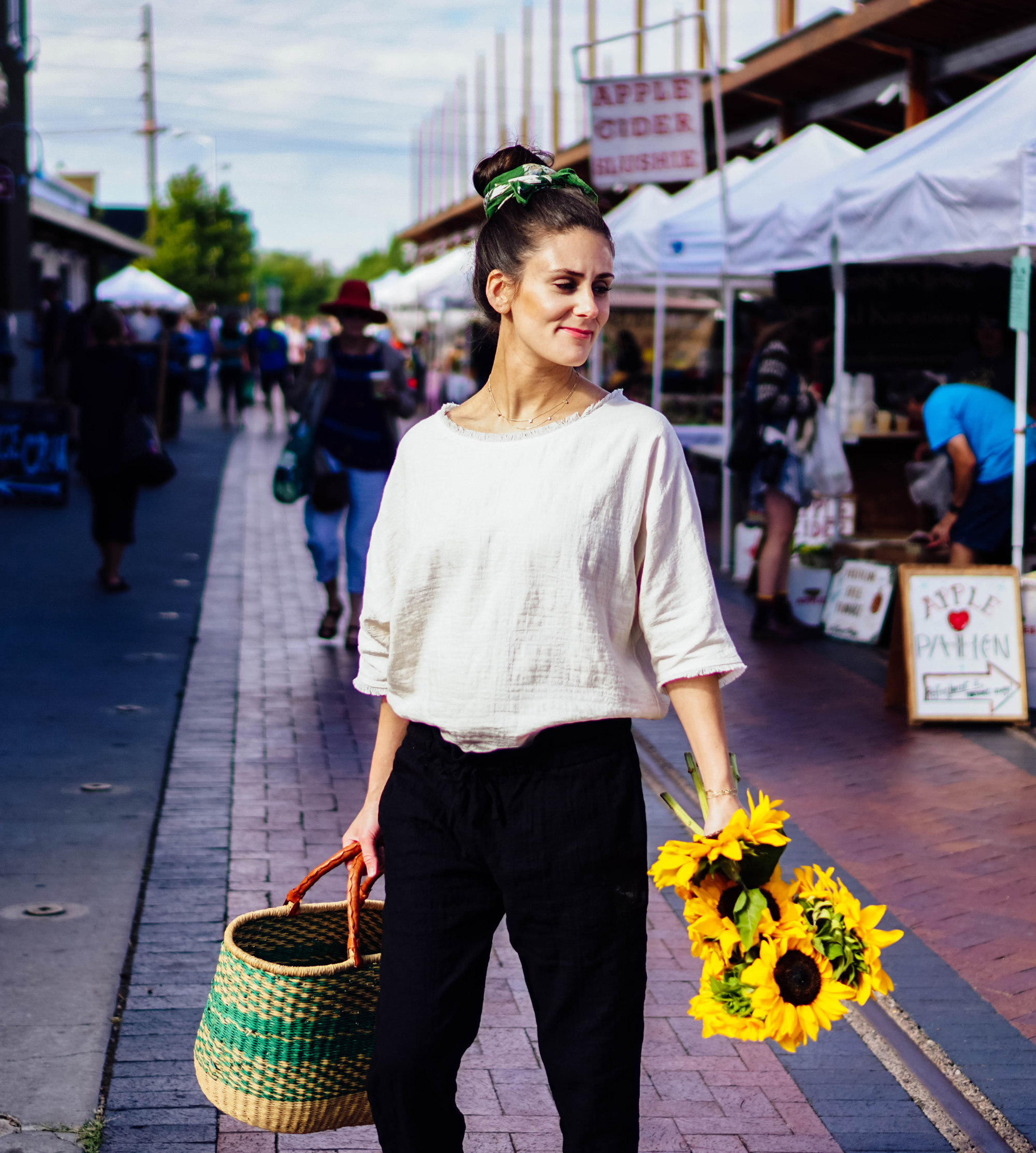 I'm exploring the Santa Fe Farmer's Market and the famous Cathedral Basilica of St. Francis of Assisi in some of my favorite maternity pieces from hatch collection over on The Dandy Liar, including this comfortable black jumper, and these extra forgiving paperbag waist pants and linen top.